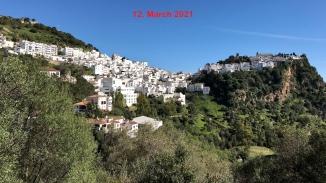 Casares, eines der schönsten weißen Dörfer in Andalusien.